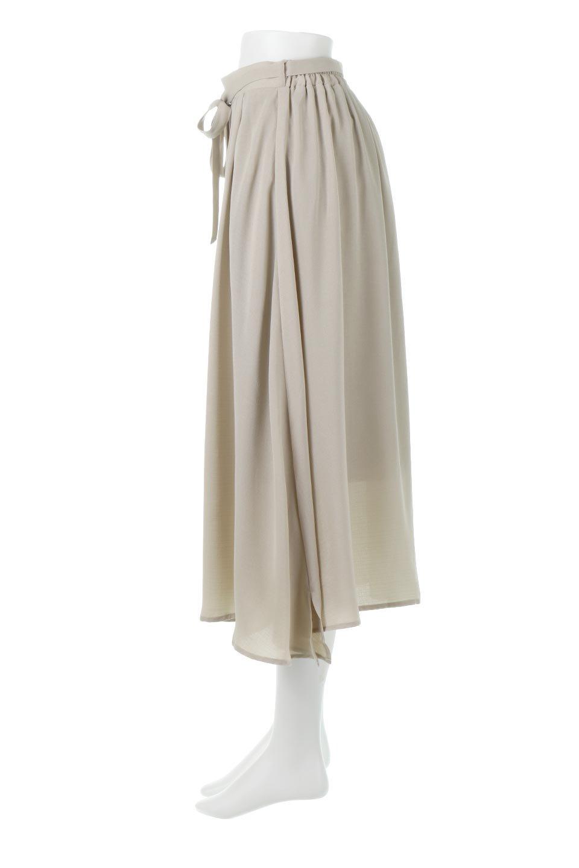 FrontButtonFlareSkirtフロントボタン・フレアスカート大人カジュアルに最適な海外ファッションのothers(その他インポートアイテム)のボトムやスカート。さらっとした素材感でシルエットがキレイなフレアスカートフロントに並ぶ小さなボタンが可愛いフレアスカート。柔らかすぎない生地感で、動くたびにしっかりときれいなシルエットが保てるようになっています。/main-7
