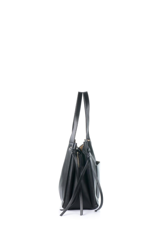 meliebiancoのLeslie(Black)センターポケット・トートバッグ/海外ファッション好きにオススメのインポートバッグとかばん、MelieBianco(メリービアンコ)のバッグやトートバッグ。荷室が別れてとても使いやすいバッグ。ファイルも入る大きめのサイズで仕事用としても活躍します。/main-2