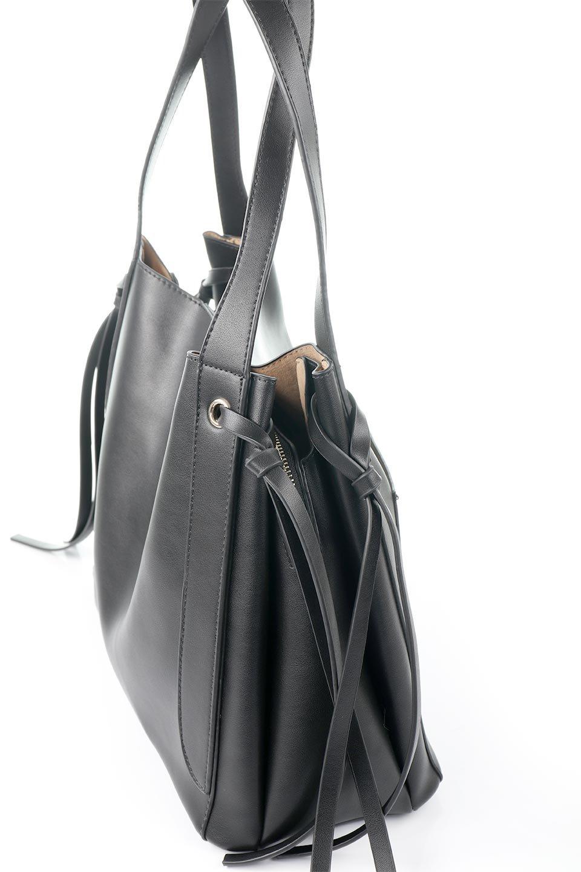meliebiancoのLeslie(Black)センターポケット・トートバッグ/海外ファッション好きにオススメのインポートバッグとかばん、MelieBianco(メリービアンコ)のバッグやトートバッグ。荷室が別れてとても使いやすいバッグ。ファイルも入る大きめのサイズで仕事用としても活躍します。/main-6