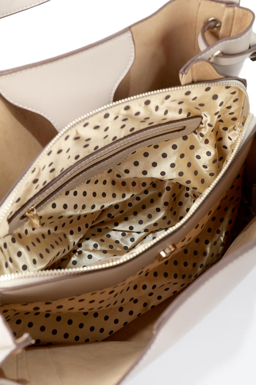 meliebiancoのLeslie(Taupe)センターポケット・トートバッグ/海外ファッション好きにオススメのインポートバッグとかばん、MelieBianco(メリービアンコ)のバッグやトートバッグ。荷室が別れてとても使いやすいバッグ。ファイルも入る大きめのサイズで仕事用としても活躍します。/main-13