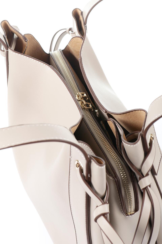 meliebiancoのLeslie(Taupe)センターポケット・トートバッグ/海外ファッション好きにオススメのインポートバッグとかばん、MelieBianco(メリービアンコ)のバッグやトートバッグ。荷室が別れてとても使いやすいバッグ。ファイルも入る大きめのサイズで仕事用としても活躍します。/main-8