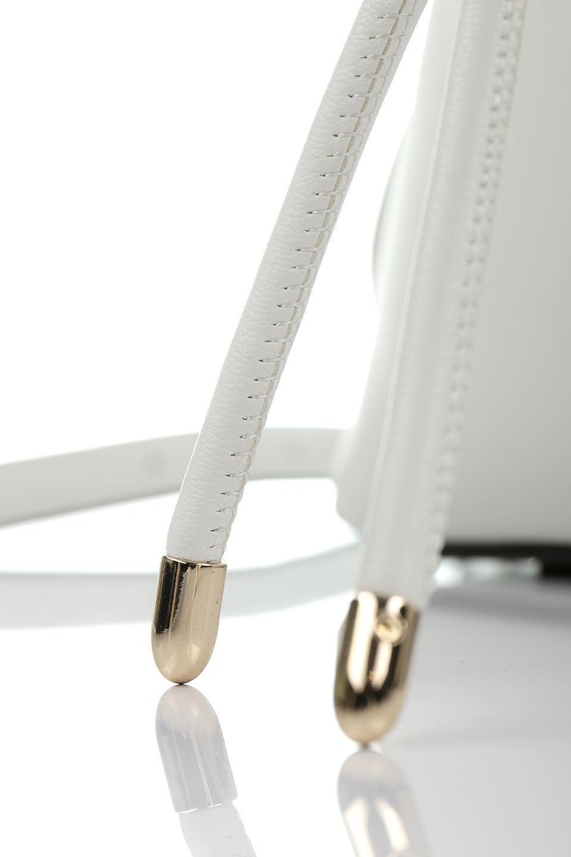 meliebiancoのLeia(White)ビーガンレザー・巾着バッグ/海外ファッション好きにオススメのインポートバッグとかばん、MelieBianco(メリービアンコ)のバッグやショルダーバッグ。巾着タイプのディテールが可愛いショルダーバッグ。サイトのマチ部分がスリットのようなアクセントになっています。/main-9