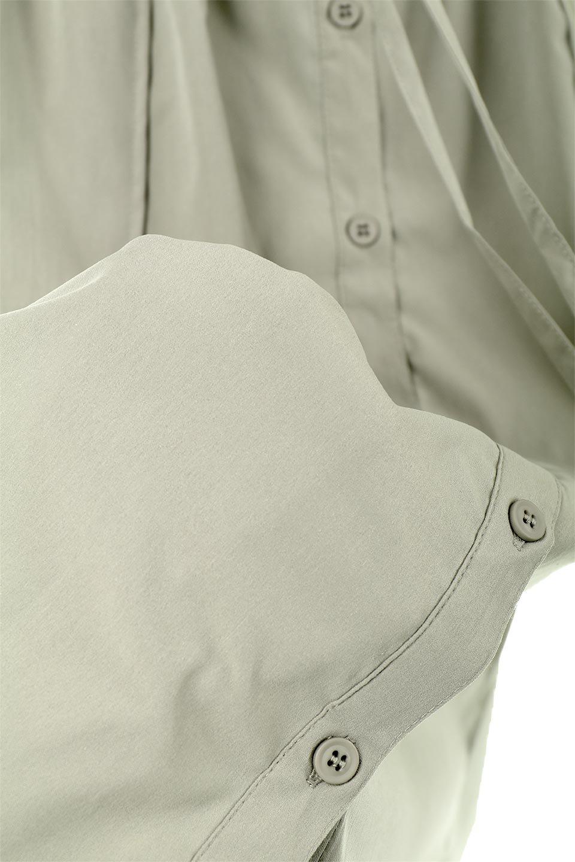 2WaySafariBareDress2Way・サファリベアワンピース大人カジュアルに最適な海外ファッションのothers(その他インポートアイテム)のワンピースやミディワンピース。シャリ感のある素材を使用したサファリルックの2Wayワンピース。肩ひもはボタンでの脱着が可能で、ベアワンピとしても楽しめます。/main-24