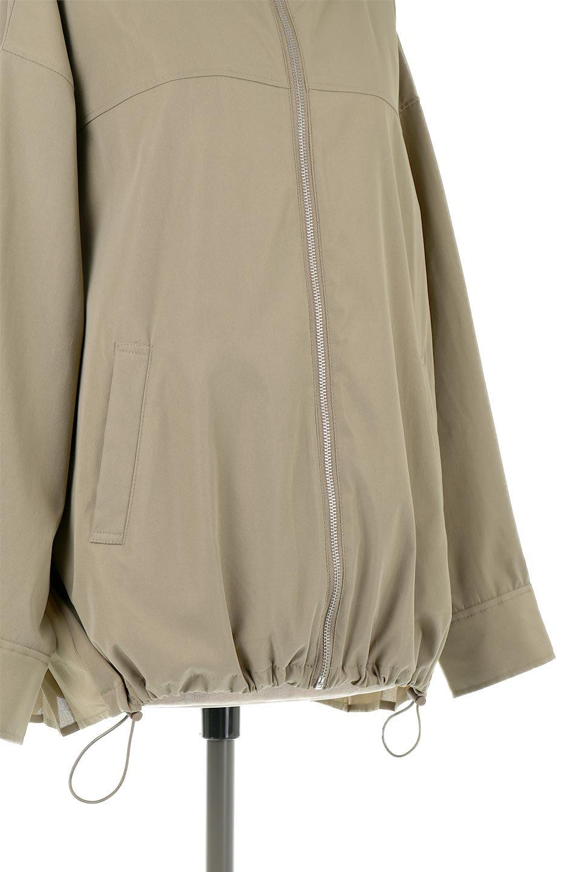 BackPleatedMountainParkaバックプリーツ・マウンテンパーカ大人カジュアルに最適な海外ファッションのothers(その他インポートアイテム)のアウターやジャケット。人気のバックプリーツを施したショート丈のマウンテンパーカ。メンズライクなアイテムをプリーツで女性らしくアレンジしたデザインです。/main-12