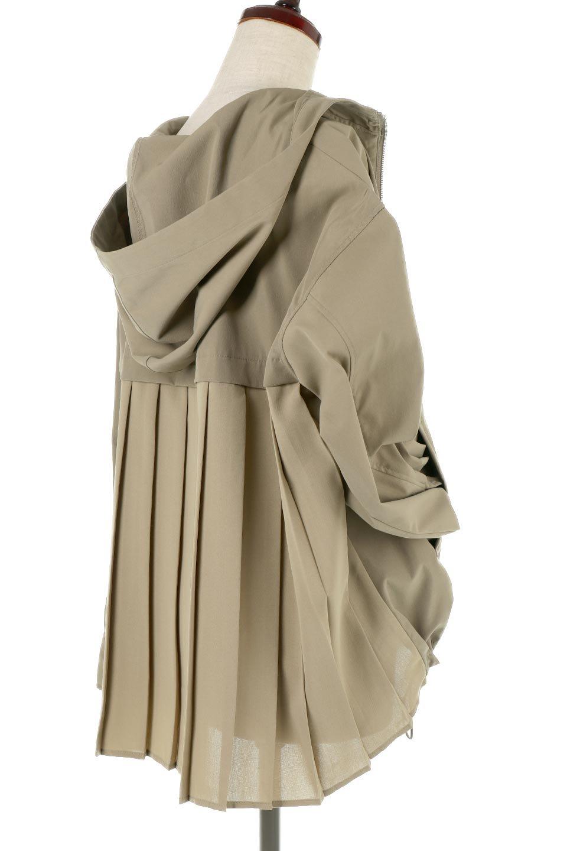 BackPleatedMountainParkaバックプリーツ・マウンテンパーカ大人カジュアルに最適な海外ファッションのothers(その他インポートアイテム)のアウターやジャケット。人気のバックプリーツを施したショート丈のマウンテンパーカ。メンズライクなアイテムをプリーツで女性らしくアレンジしたデザインです。/main-15