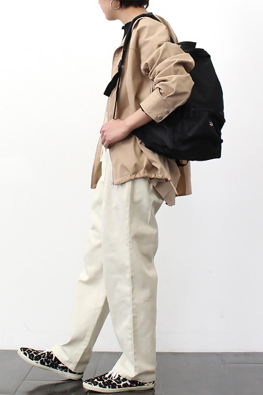 BackPleatedMountainParkaバックプリーツ・マウンテンパーカ大人カジュアルに最適な海外ファッションのothers(その他インポートアイテム)のアウターやジャケット。人気のバックプリーツを施したショート丈のマウンテンパーカ。メンズライクなアイテムをプリーツで女性らしくアレンジしたデザインです。/main-20