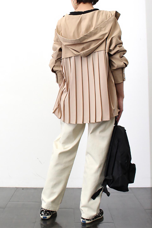 BackPleatedMountainParkaバックプリーツ・マウンテンパーカ大人カジュアルに最適な海外ファッションのothers(その他インポートアイテム)のアウターやジャケット。人気のバックプリーツを施したショート丈のマウンテンパーカ。メンズライクなアイテムをプリーツで女性らしくアレンジしたデザインです。/main-21
