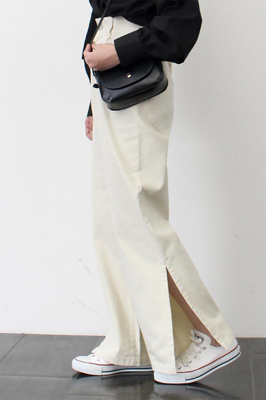 Lace-UpWideLegSlitPantsレースアップ・スリット入りワイドパンツ大人カジュアルに最適な海外ファッションのothers(その他インポートアイテム)のボトムやパンツ。バックのレースアップが特徴のワイドパンツ。ソフトなコットン生地で履き心地も抜群。/main-16