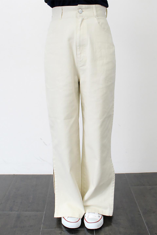 Lace-UpWideLegSlitPantsレースアップ・スリット入りワイドパンツ大人カジュアルに最適な海外ファッションのothers(その他インポートアイテム)のボトムやパンツ。バックのレースアップが特徴のワイドパンツ。ソフトなコットン生地で履き心地も抜群。/main-17