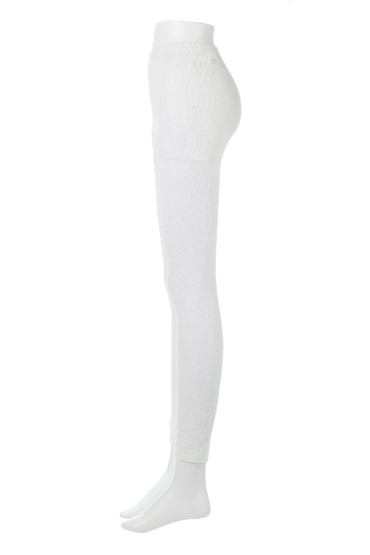 SideSlitLaceLeggingsサイドスリット・レギンスパンツ大人カジュアルに最適な海外ファッションのothers(その他インポートアイテム)のボトムやパンツ。総レースが可愛いクロップ丈のレギンスパンツ。ワンピースやチュニックのレイヤードなど様々なコーディネートを楽しめるボトムです。/main-7