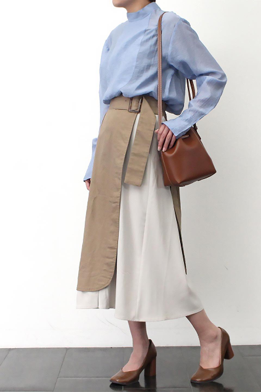 SidePocketBicolorPanelSkirtサイドポケット・切替ラップ風スカート大人カジュアルに最適な海外ファッションのothers(その他インポートアイテム)のボトムやスカート。2種類の生地を使用したバイカラーのロングスカート。硬めの生地とソフトな生地を組み合わせたアシメデザイン。/main-20