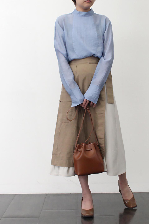 SidePocketBicolorPanelSkirtサイドポケット・切替ラップ風スカート大人カジュアルに最適な海外ファッションのothers(その他インポートアイテム)のボトムやスカート。2種類の生地を使用したバイカラーのロングスカート。硬めの生地とソフトな生地を組み合わせたアシメデザイン。/main-21