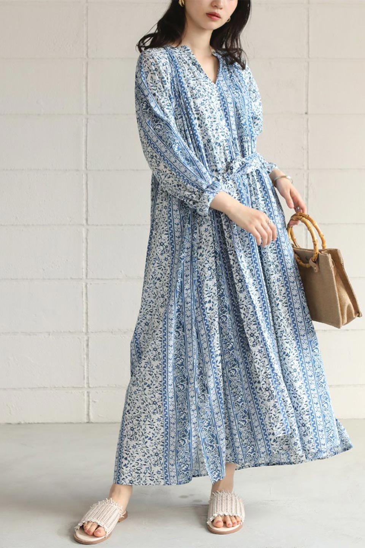 FloralPrintedPanelDress小花柄・パネルワンピース大人カジュアルに最適な海外ファッションのothers(その他インポートアイテム)のワンピースやマキシワンピース。オリエンタルな雰囲気のパネルプリントが魅力的なワンピース。インド綿ならではの柔らかで涼しげな素材感は、軽くて着心地も抜群。/main-21