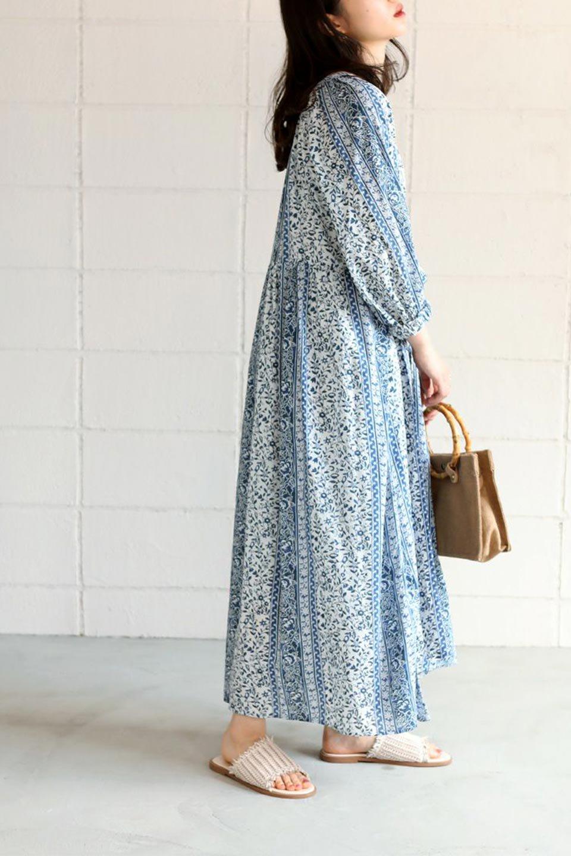 FloralPrintedPanelDress小花柄・パネルワンピース大人カジュアルに最適な海外ファッションのothers(その他インポートアイテム)のワンピースやマキシワンピース。オリエンタルな雰囲気のパネルプリントが魅力的なワンピース。インド綿ならではの柔らかで涼しげな素材感は、軽くて着心地も抜群。/main-22