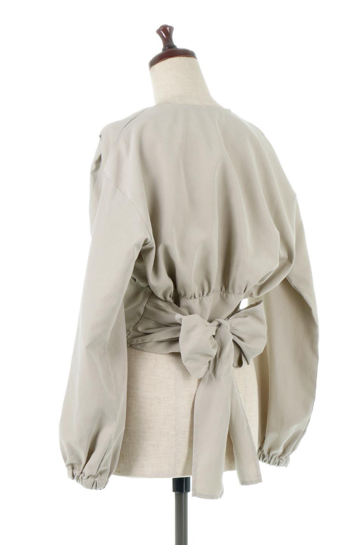 WideWaistRibbonTieBlouseワイドウエスト・バックリボンブラウス大人カジュアルに最適な海外ファッションのothers(その他インポートアイテム)のトップスやシャツ・ブラウス。桃の表面のようなピーチスキン加工の長袖ブラウス。ショート丈とワイドなウエストバンドでシルエットにメリハリができ、細見え効果のあるブラウスです。/main-8