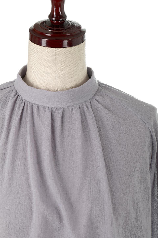 GatheredneckSheerBlouseギャザーネック・長袖シアーブラウス大人カジュアルに最適な海外ファッションのothers(その他インポートアイテム)のトップスやシャツ・ブラウス。今季大人気の透け感のあるシアー素材を使用した長袖ブラウス。ゆったり目のシルエットはそのまま着ても、ブラウジングしても楽しめます。/main-21