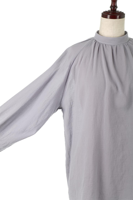 GatheredneckSheerBlouseギャザーネック・長袖シアーブラウス大人カジュアルに最適な海外ファッションのothers(その他インポートアイテム)のトップスやシャツ・ブラウス。今季大人気の透け感のあるシアー素材を使用した長袖ブラウス。ゆったり目のシルエットはそのまま着ても、ブラウジングしても楽しめます。/main-23