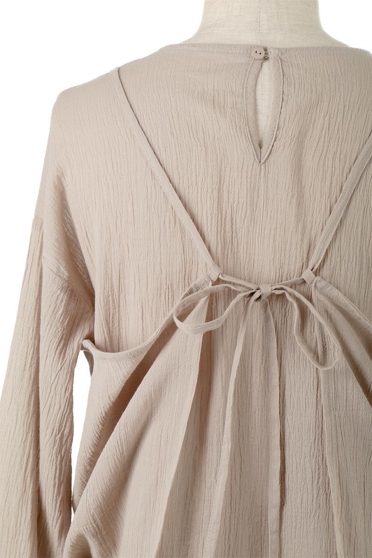 TexturedSheerCami&Blouseテクスチャード・シアーキャミブラウスセット大人カジュアルに最適な海外ファッションのothers(その他インポートアイテム)のトップスやシャツ・ブラウス。若干透け感のある長袖ブラウスと、共生地のキャミソールセット。さらりとした素材感の生地は透け感があり、これからの季節にピッタリのアイテム。/main-19