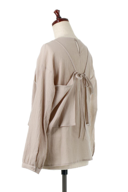 TexturedSheerCami&Blouseテクスチャード・シアーキャミブラウスセット大人カジュアルに最適な海外ファッションのothers(その他インポートアイテム)のトップスやシャツ・ブラウス。若干透け感のある長袖ブラウスと、共生地のキャミソールセット。さらりとした素材感の生地は透け感があり、これからの季節にピッタリのアイテム。/main-3