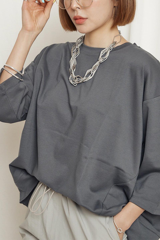 PanelCutAsymmetricalBigT-Shirtsアシメントリー・切り替えビッグTee大人カジュアルに最適な海外ファッションのothers(その他インポートアイテム)のトップスやカットソー。左右非対称なカッティングデザインがポイントのTシャツ。メンズサイズのようなオーバーシルエットが可愛いヘビーウェイトのカットソー。/main-29