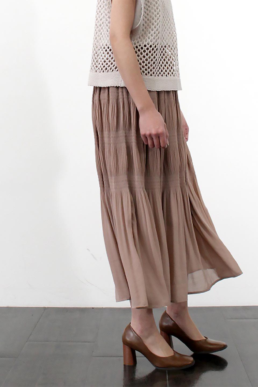 MajolicaPleatedLongSkirtマジョリカプリーツ・ロングスカート大人カジュアルに最適な海外ファッションのothers(その他インポートアイテム)のボトムやスカート。表情豊かなマジョリカプリーツが春の雰囲気満点のロングスカート。シフォンジョーゼットのソフトな生地でフワリとした優しさが人気です。/main-34