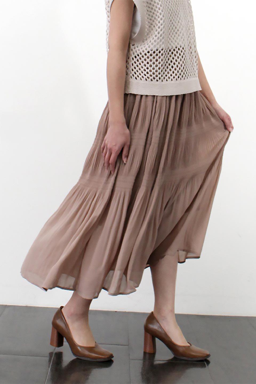 MajolicaPleatedLongSkirtマジョリカプリーツ・ロングスカート大人カジュアルに最適な海外ファッションのothers(その他インポートアイテム)のボトムやスカート。表情豊かなマジョリカプリーツが春の雰囲気満点のロングスカート。シフォンジョーゼットのソフトな生地でフワリとした優しさが人気です。/main-35