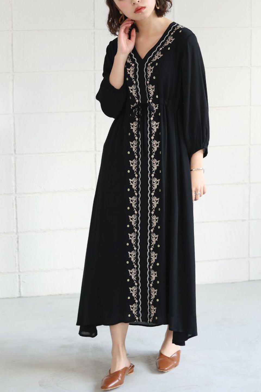 ExoticEmbroideredBohemianDressエスニック刺繍・ボヘミアンワンピース大人カジュアルに最適な海外ファッションのothers(その他インポートアイテム)のワンピースやマキシワンピース。ナチュラルなエスニックテイストが一目見ただけで可愛いボヘミアンなワンピース。刺繍が魅力的なワンピースです。/main-17