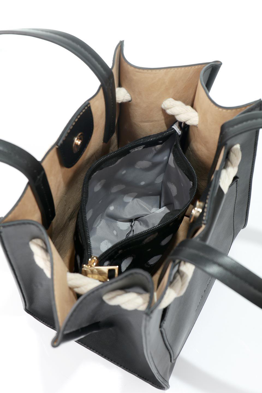 meliebiancoのMonica(Black)ロープモチーフ・トートバッグ/海外ファッション好きにオススメのインポートバッグとかばん、MelieBianco(メリービアンコ)のバッグやトートバッグ。マリンテイストのロープが可愛い巾着タイプのトートバッグ。可愛らしいデザインの中は仕切りを兼ねたポケットが使いやすい便利な構造。/main-11