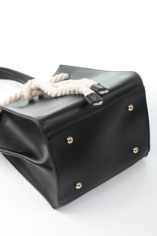meliebiancoのMonica(Black)ロープモチーフ・トートバッグ/海外ファッション好きにオススメのインポートバッグとかばん、MelieBianco(メリービアンコ)のバッグやトートバッグ。マリンテイストのロープが可愛い巾着タイプのトートバッグ。可愛らしいデザインの中は仕切りを兼ねたポケットが使いやすい便利な構造。/main-15
