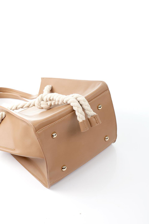 meliebiancoのMonica(Tan)ロープモチーフ・トートバッグ/海外ファッション好きにオススメのインポートバッグとかばん、MelieBianco(メリービアンコ)のバッグやトートバッグ。マリンテイストのロープが可愛い巾着タイプのトートバッグ。可愛らしいデザインの中は仕切りを兼ねたポケットが使いやすい便利な構造。/main-15