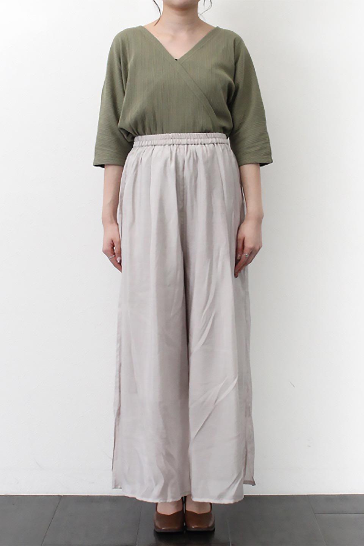 WideLegSlitSheerPantsサイドスリット・シアーパンツ大人カジュアルに最適な海外ファッションのothers(その他インポートアイテム)のボトムやパンツ。透け感のある人気のシアー素材を使用したワイドパンツ。涼しげな素材でスカートのような軽い着心地です。/main-22