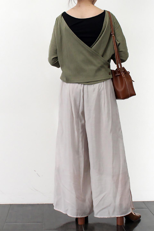 WideLegSlitSheerPantsサイドスリット・シアーパンツ大人カジュアルに最適な海外ファッションのothers(その他インポートアイテム)のボトムやパンツ。透け感のある人気のシアー素材を使用したワイドパンツ。涼しげな素材でスカートのような軽い着心地です。/main-23