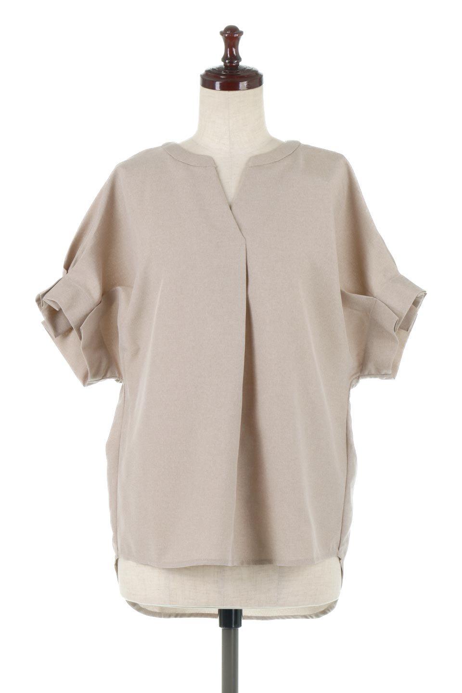 TackSleeveCollarlessBlouseタックスリーブ・ノーカラーブラウス大人カジュアルに最適な海外ファッションのothers(その他インポートアイテム)のトップスやシャツ・ブラウス。杢調のリネンライクな素材を使用したスキッパーブラウス。シンプルですが袖や後身頃のタックデザインで上品な雰囲気を演出します。