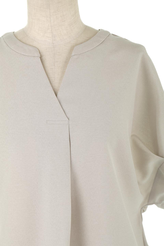 TackSleeveCollarlessBlouseタックスリーブ・ノーカラーブラウス大人カジュアルに最適な海外ファッションのothers(その他インポートアイテム)のトップスやシャツ・ブラウス。杢調のリネンライクな素材を使用したスキッパーブラウス。シンプルですが袖や後身頃のタックデザインで上品な雰囲気を演出します。/main-10