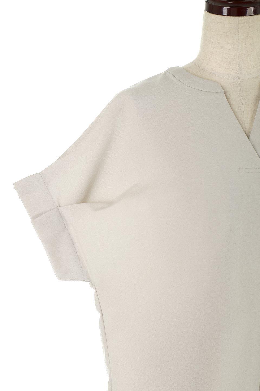 TackSleeveCollarlessBlouseタックスリーブ・ノーカラーブラウス大人カジュアルに最適な海外ファッションのothers(その他インポートアイテム)のトップスやシャツ・ブラウス。杢調のリネンライクな素材を使用したスキッパーブラウス。シンプルですが袖や後身頃のタックデザインで上品な雰囲気を演出します。/main-13
