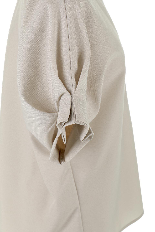 TackSleeveCollarlessBlouseタックスリーブ・ノーカラーブラウス大人カジュアルに最適な海外ファッションのothers(その他インポートアイテム)のトップスやシャツ・ブラウス。杢調のリネンライクな素材を使用したスキッパーブラウス。シンプルですが袖や後身頃のタックデザインで上品な雰囲気を演出します。/main-14