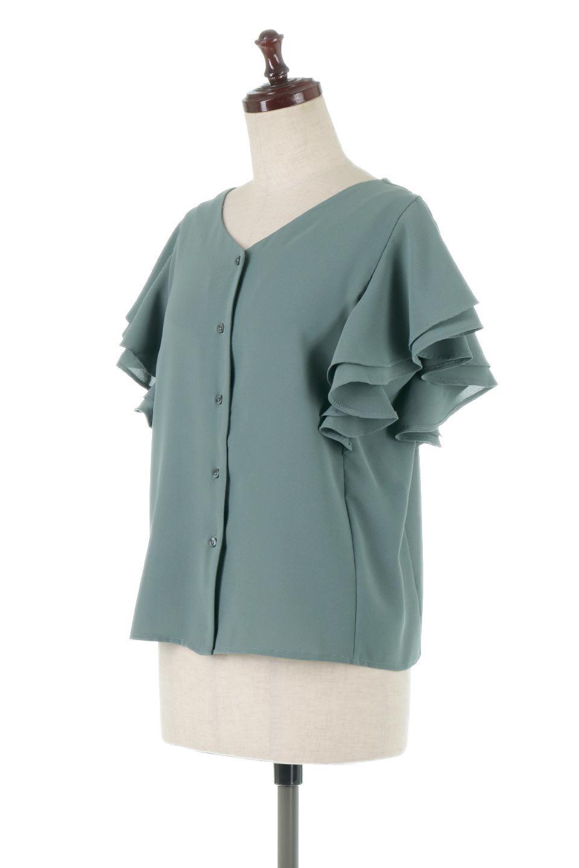 DoubleFrillSleeveButtonBlouseダブルフリルスリーブ・ボタンブラウス大人カジュアルに最適な海外ファッションのothers(その他インポートアイテム)のトップスやシャツ・ブラウス。動くたびに揺れる袖のドレープは、エレガントな雰囲気を演出してくれるブラウス。前開きなので、羽織りとしても着られます。/main-1