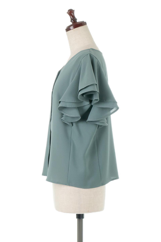 DoubleFrillSleeveButtonBlouseダブルフリルスリーブ・ボタンブラウス大人カジュアルに最適な海外ファッションのothers(その他インポートアイテム)のトップスやシャツ・ブラウス。動くたびに揺れる袖のドレープは、エレガントな雰囲気を演出してくれるブラウス。前開きなので、羽織りとしても着られます。/main-2
