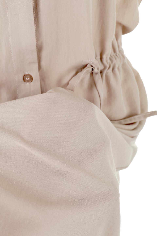 WaistDrawstringLooseDressウエストドロスト・ポケット付きワンピース大人カジュアルに最適な海外ファッションのothers(その他インポートアイテム)のワンピースやマキシワンピース。両サイドについたウエストのドロストリボンの絞り具合で様々なシルエットが楽しめるワンピース。上品な光沢があるシルキータッチの素材感も人気の定番ワンピースです。/main-22