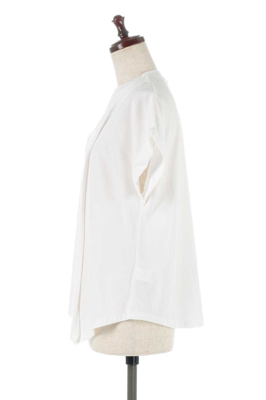 AsymmetricalSlittedTopアシメントリー・スリットトップス大人カジュアルに最適な海外ファッションのothers(その他インポートアイテム)のトップスやカットソー。スリット入りのアシメントリーデザインが可愛い半袖トップス。背中のボタンや袖の折返しなど、ちょっとしたアクセントが入ったトップスです。/main-2