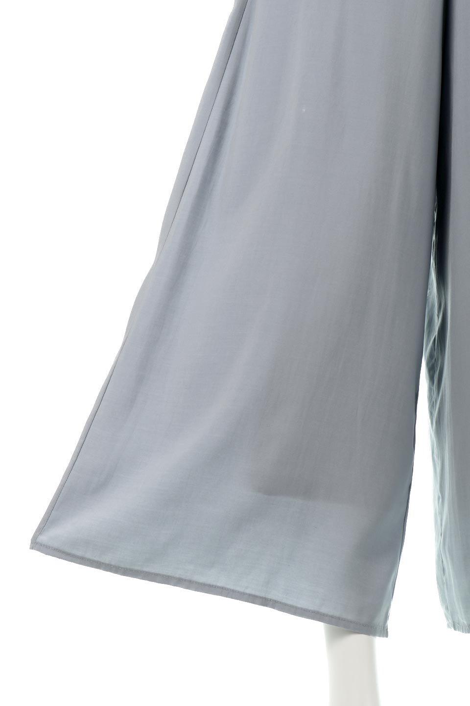 SoftTwillCroppedFlarePantsソフトツイル・フレアパンツ大人カジュアルに最適な海外ファッションのothers(その他インポートアイテム)のボトムやパンツ。サラサラの生地が涼しげなクロップドワイドパンツ。若干透け感のある素材ですが、同色のサテンの裏地付きなので安心です。/main-19