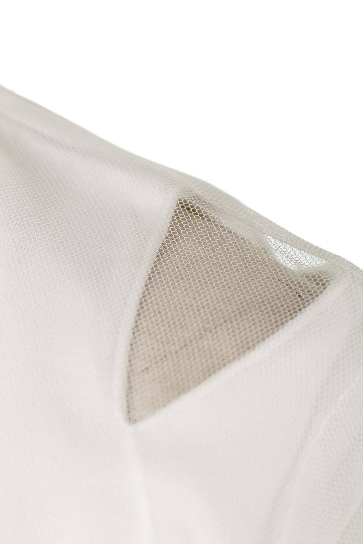 Slit-In-ShoulderFauxLayeredTop肩スリット・チュールレイヤードTシャツ大人カジュアルに最適な海外ファッションのothers(その他インポートアイテム)のトップスやカットソー。チュール×スリットを施した今年らしいトップス。肌触りの良いTシャツに透け感がありシワになりにくいチュール素材をレイヤード。/main-14