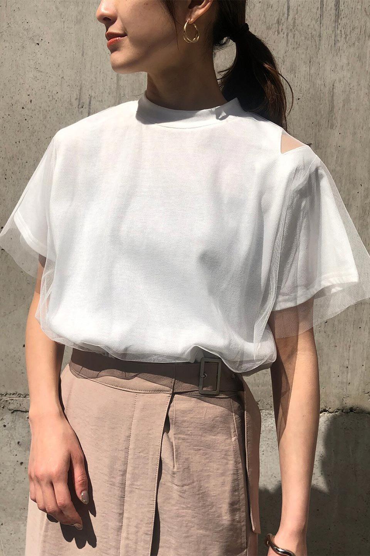 Slit-In-ShoulderFauxLayeredTop肩スリット・チュールレイヤードTシャツ大人カジュアルに最適な海外ファッションのothers(その他インポートアイテム)のトップスやカットソー。チュール×スリットを施した今年らしいトップス。肌触りの良いTシャツに透け感がありシワになりにくいチュール素材をレイヤード。/main-19