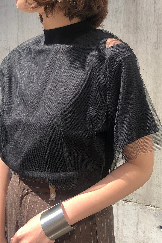 Slit-In-ShoulderFauxLayeredTop肩スリット・チュールレイヤードTシャツ大人カジュアルに最適な海外ファッションのothers(その他インポートアイテム)のトップスやカットソー。チュール×スリットを施した今年らしいトップス。肌触りの良いTシャツに透け感がありシワになりにくいチュール素材をレイヤード。/main-21