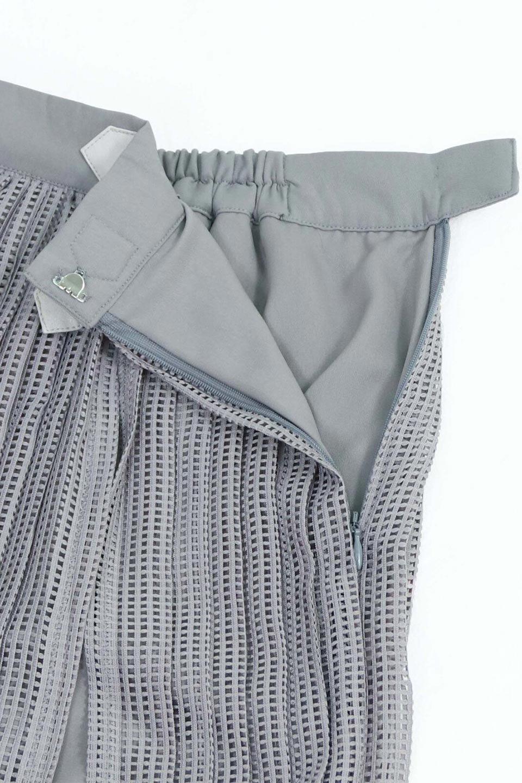 MeshPleatLayeredSkirtメッシュプリーツ・レイヤードスカート大人カジュアルに最適な海外ファッションのothers(その他インポートアイテム)のボトムやスカート。スタイリングのメインになるデザインスカート。繊細なメッシュ素材を使用し、立体的なプリーツが織りなす華やかなスカートです。/main-26
