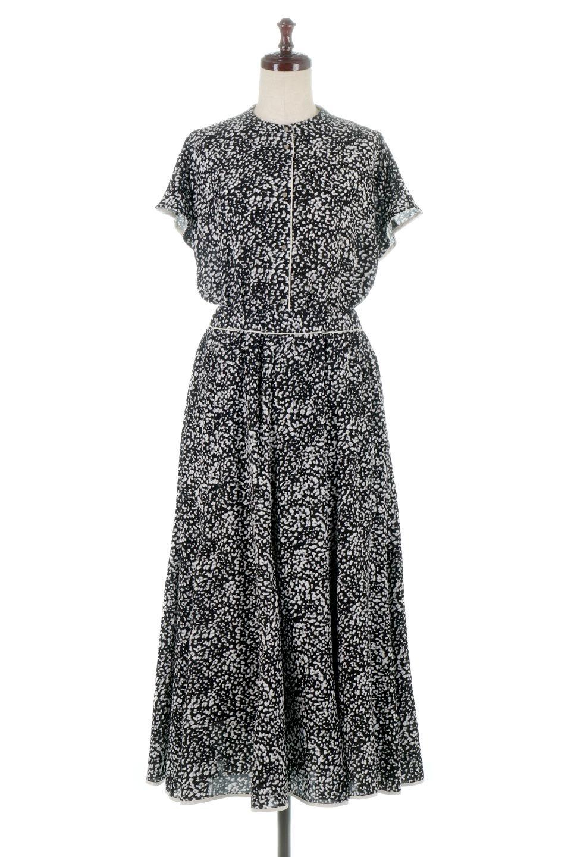 PipingHemLeopardFlareSkirtレオパード・フレアボリュームスカート大人カジュアルに最適な海外ファッションのothers(その他インポートアイテム)のボトムやスカート。動くたびにゆれるシルエットが美しいレオパード柄のフレアースカート。スカート部分に切り替えが斜めにはいっており、ナチュラルなマーメイドシルエットが美しいスカートです。/main-12