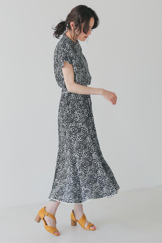 PipingHemLeopardFlareSkirtレオパード・フレアボリュームスカート大人カジュアルに最適な海外ファッションのothers(その他インポートアイテム)のボトムやスカート。動くたびにゆれるシルエットが美しいレオパード柄のフレアースカート。スカート部分に切り替えが斜めにはいっており、ナチュラルなマーメイドシルエットが美しいスカートです。/main-19