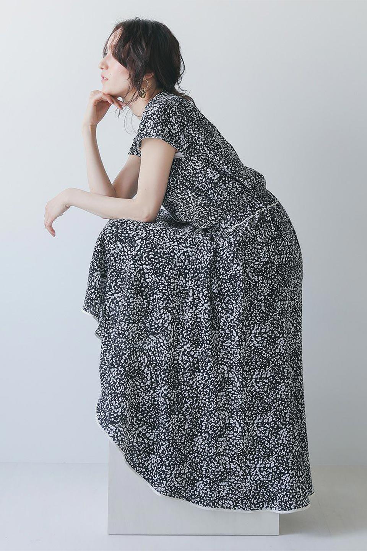 PipingHemLeopardFlareSkirtレオパード・フレアボリュームスカート大人カジュアルに最適な海外ファッションのothers(その他インポートアイテム)のボトムやスカート。動くたびにゆれるシルエットが美しいレオパード柄のフレアースカート。スカート部分に切り替えが斜めにはいっており、ナチュラルなマーメイドシルエットが美しいスカートです。/main-21