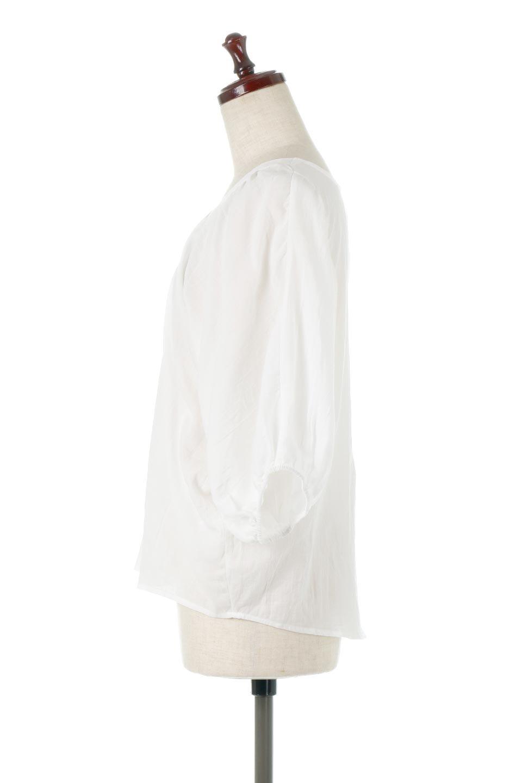 VoluminousSleeveBlouseボリュームスリーブ・ブラウス大人カジュアルに最適な海外ファッションのothers(その他インポートアイテム)のトップスやシャツ・ブラウス。ボリュームがありながらも軽やかな素材で清涼感溢れるエアリーブラウス。綿100%の素材を使用しているので着心地も良くストレスフリーのトップスです。/main-7
