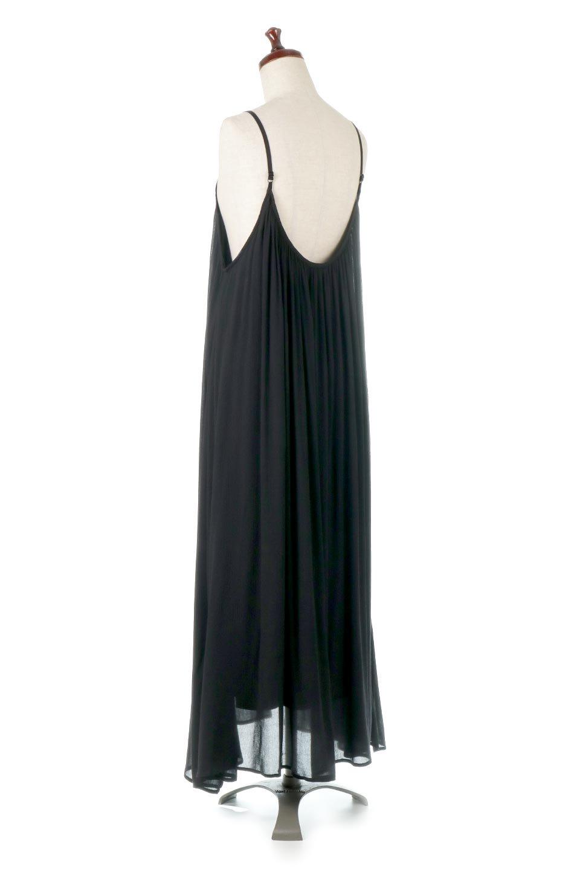 BackGatheredLongCamiDressバックギャザー・キャミマキシワンピース大人カジュアルに最適な海外ファッションのothers(その他インポートアイテム)のワンピースやマキシワンピース。柔らかく軽やかで涼しげな大人のためのサマードレス。ポイントのバックデザインがシンプルながら存在感あるマキシワンピ。/main-3